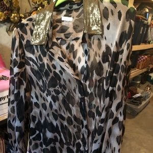 🌞Chico's leopard blouse🌞